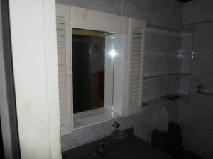 Apartamento En Venta En Caracas - Parroquia La Candelaria Código FLEX: 19-13686 No.16