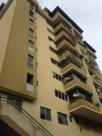 Apartamento En Venta En Caracas - Las Esmeraldas Código FLEX: 19-13715 No.0