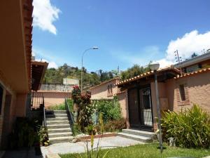 Casa En Venta En Caracas - La Lagunita Country Club Código FLEX: 19-13716 No.1