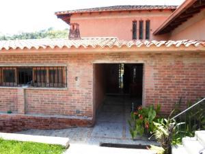 Casa En Venta En Caracas - La Lagunita Country Club Código FLEX: 19-13716 No.2