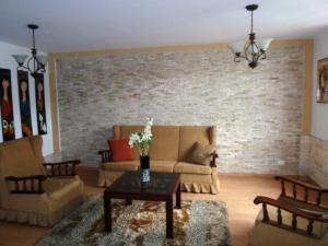 Casa En Venta En Caracas - La Boyera Código FLEX: 19-13717 No.3