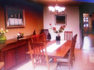 Casa En Venta En Caracas - La Boyera Código FLEX: 19-13717 No.6