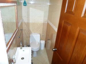 Casa En Venta En Caracas - La Boyera Código FLEX: 19-13717 No.15
