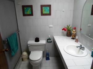 Casa En Venta En Caracas - La Boyera Código FLEX: 19-13717 No.17