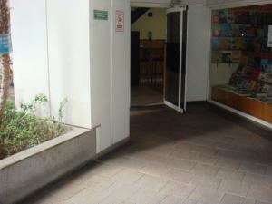 Local Comercial En Venta En Caracas - El Rosal Código FLEX: 19-13718 No.1