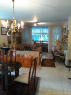 Apartamento En Venta En Caracas - Altamira Código FLEX: 19-13729 No.3
