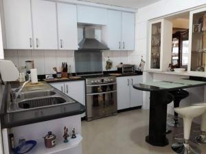 Apartamento En Venta En Caracas - El Paraiso Código FLEX: 19-13796 No.6