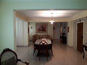 Apartamento En Venta En Caracas - El Paraiso Código FLEX: 19-13796 No.4