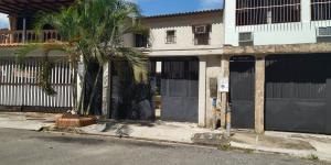 Casa En Venta En Valencia - Sabana Larga Código FLEX: 18-11890 No.0
