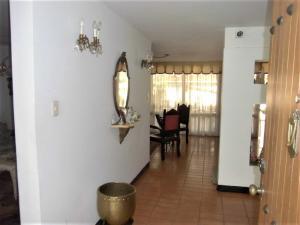 Casa En Venta En Caracas - El Cafetal Código FLEX: 19-14377 No.2