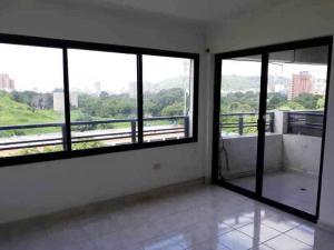 Apartamento En Venta En Valencia - Las Chimeneas Código FLEX: 19-14530 No.3