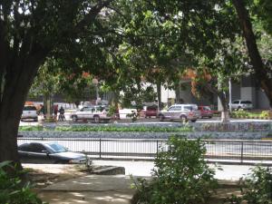 En Alquiler En Caracas - Las Mercedes Código FLEX: 19-14550 No.2