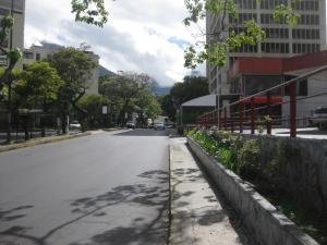 En Alquiler En Caracas - Las Mercedes Código FLEX: 19-14550 No.5