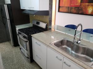 Apartamento En Venta En Caracas - Los Palos Grandes Código FLEX: 19-14551 No.12