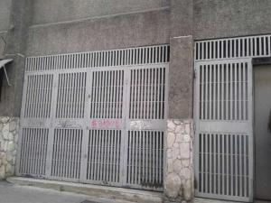 Local Comercial En Alquiler En Caracas - Parroquia Altagracia Código FLEX: 19-14560 No.0
