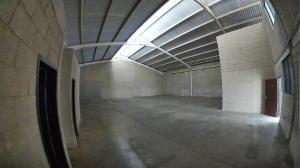 Galpon - Deposito En Alquiler En Valencia En Zona Industrial - Código: 19-14730