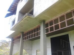 En Venta En Caracas - El Junquito Código FLEX: 19-14863 No.7