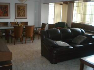 Apartamento En Venta En Caracas - El Paraiso Código FLEX: 19-15738 No.10