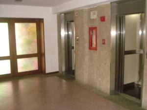 Apartamento En Venta En Caracas - El Paraiso Código FLEX: 19-15738 No.5