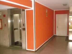 Apartamento En Venta En Caracas - El Paraiso Código FLEX: 19-15738 No.4