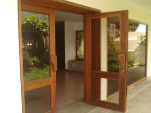 Apartamento En Venta En Caracas - El Paraiso Código FLEX: 19-15738 No.2