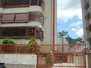 Apartamento En Venta En Caracas - El Paraiso Código FLEX: 19-15738 No.1