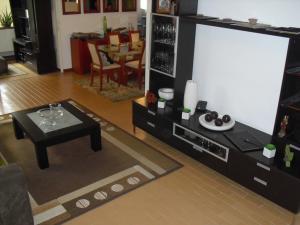 Apartamento En Alquiler En Caracas - Los Naranjos del Cafetal Código FLEX: 19-15808 No.1