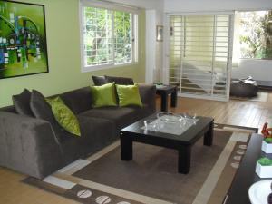 Apartamento En Alquiler En Caracas - Los Naranjos del Cafetal Código FLEX: 19-15808 No.2