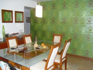Apartamento En Alquiler En Caracas - Los Naranjos del Cafetal Código FLEX: 19-15808 No.4