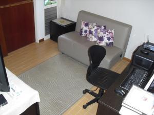 Apartamento En Alquiler En Caracas - Los Naranjos del Cafetal Código FLEX: 19-15808 No.17