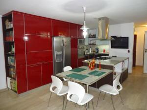 Casa En Venta En Caracas - El Marques Código FLEX: 19-15877 No.2