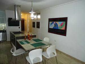 Casa En Venta En Caracas - El Marques Código FLEX: 19-15877 No.7
