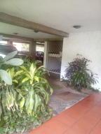 Apartamento En Venta En Caracas - Cumbres de Curumo Código FLEX: 19-15920 No.8