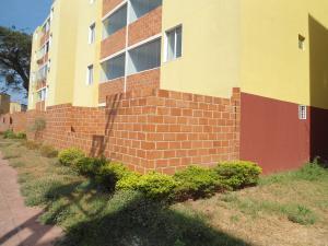Apartamento En Venta En Maracay - Coropo Código FLEX: 19-16201 No.16