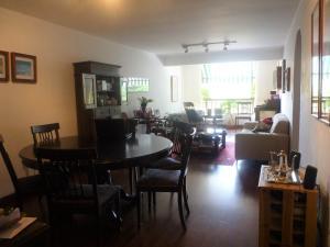 Apartamento En Venta En Caracas - Los Dos Caminos Código FLEX: 19-16852 No.2