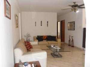 Apartamento En Venta En Valencia - Valles de Camoruco Código FLEX: 19-13545 No.1