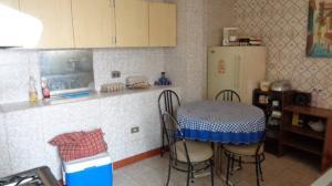 Casa En Venta En Caracas - Santa Eduvigis Código FLEX: 19-17100 No.6