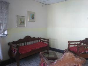 Casa En Venta En Valencia - San Blas Código FLEX: 19-16570 No.1