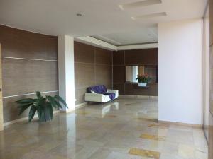 Apartamento En Venta En Valencia - La Trigaleña Código FLEX: 19-16911 No.3