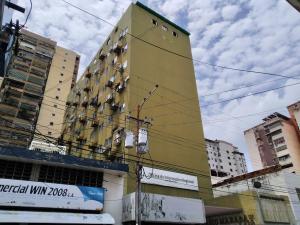 Oficina En Venta En Maracay - Zona Centro Código FLEX: 19-16953 No.0