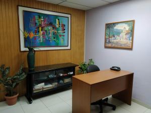 Oficina En Venta En Maracay - Zona Centro Código FLEX: 19-16953 No.4