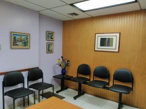Oficina En Venta En Maracay - Zona Centro Código FLEX: 19-16953 No.5