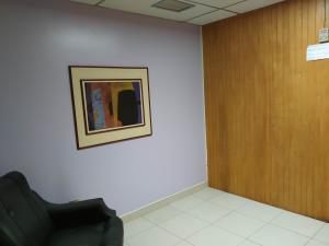 Oficina En Venta En Maracay - Zona Centro Código FLEX: 19-16953 No.7