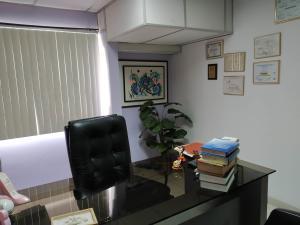 Oficina En Venta En Maracay - Zona Centro Código FLEX: 19-16953 No.9