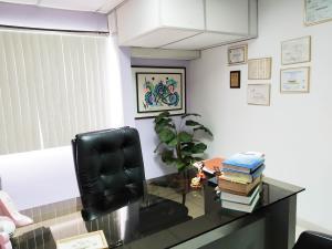 Oficina En Venta En Maracay - Zona Centro Código FLEX: 19-16953 No.12
