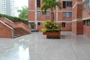 Apartamento En Venta En Caracas - La Boyera Código FLEX: 19-16973 No.2