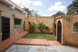 Casa En Venta En Valencia - Colinas de Guataparo Código FLEX: 19-17238 No.2