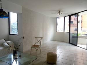 Apartamento En Venta En Valencia - El Bosque Código FLEX: 19-17196 No.4