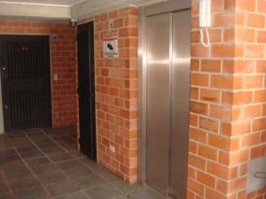 Apartamento En Venta En Guarenas - Nueva Casarapa Código FLEX: 19-17140 No.17