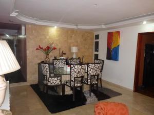 Casa En Venta En Maracay - Los Chaguaramos Código FLEX: 19-17365 No.6